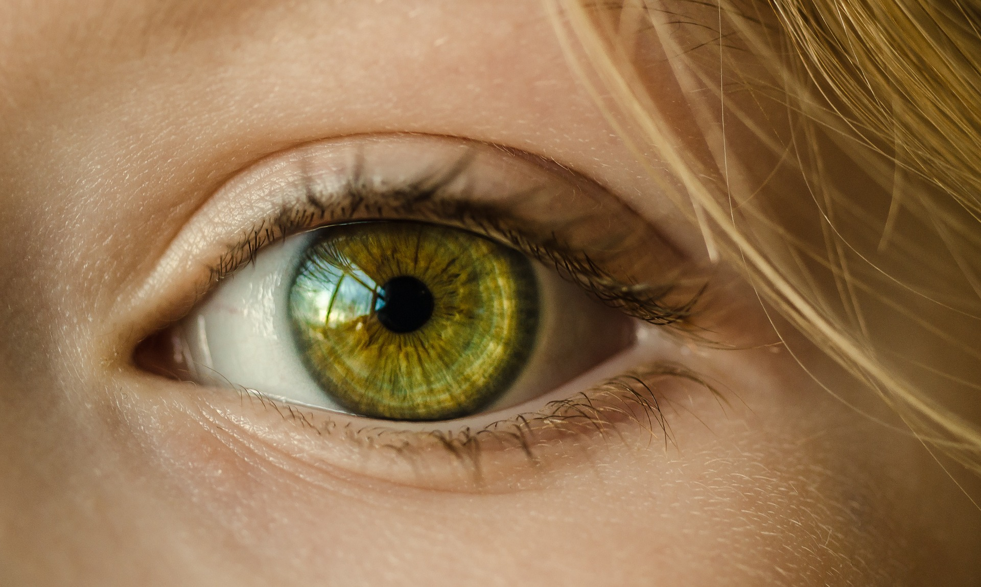 Za zimsku depresiju djelomično odgovorna boja očiju?