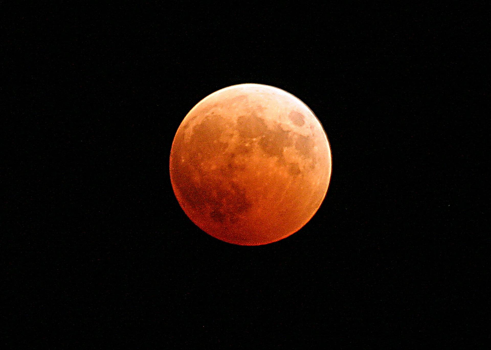 """""""Krvavi vučji Mjesec"""" najbolje se vidio u Americi"""