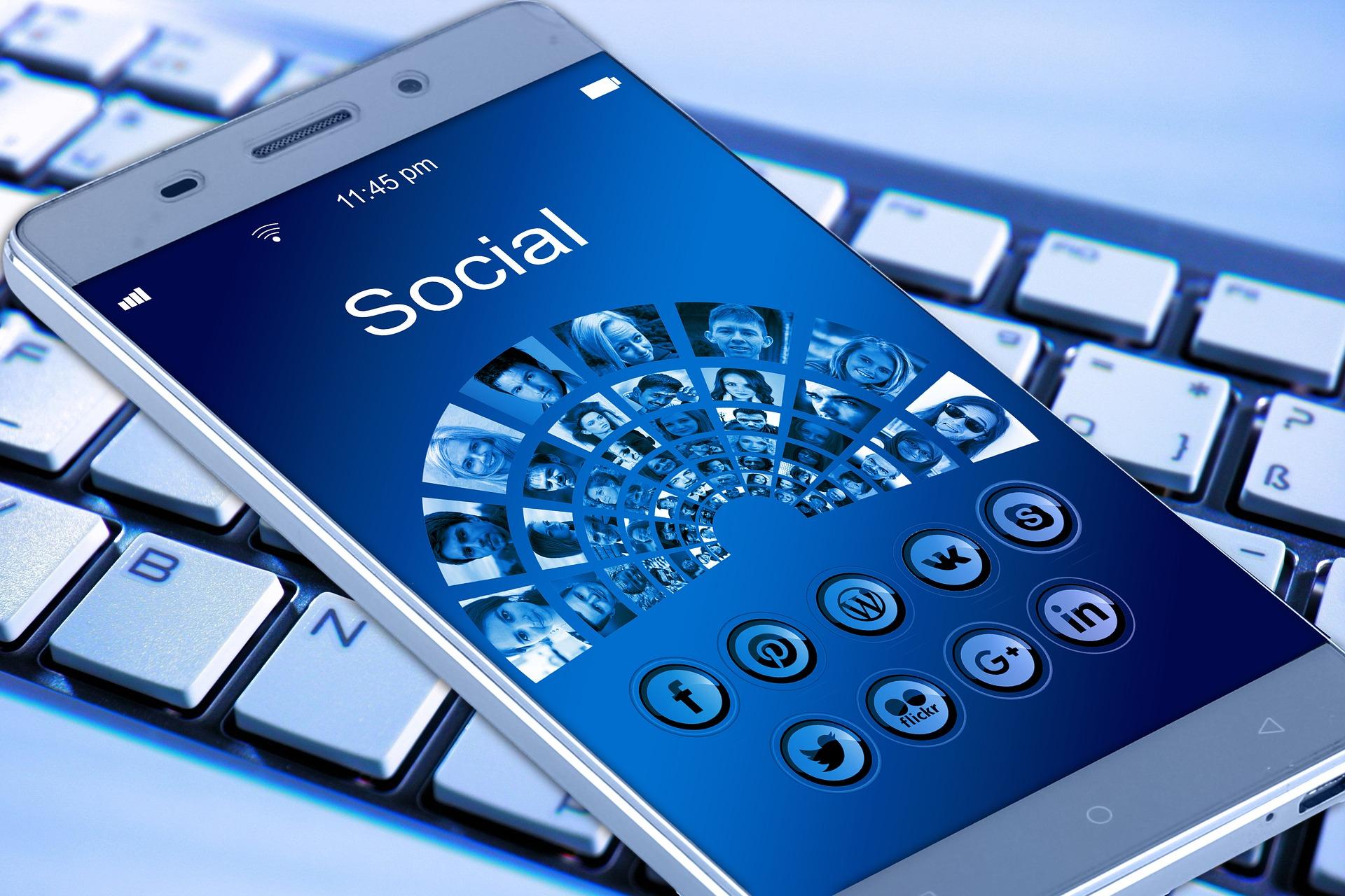 Društveni mediji povezuju se s većim rizikom od depresije kod tinejdžerki