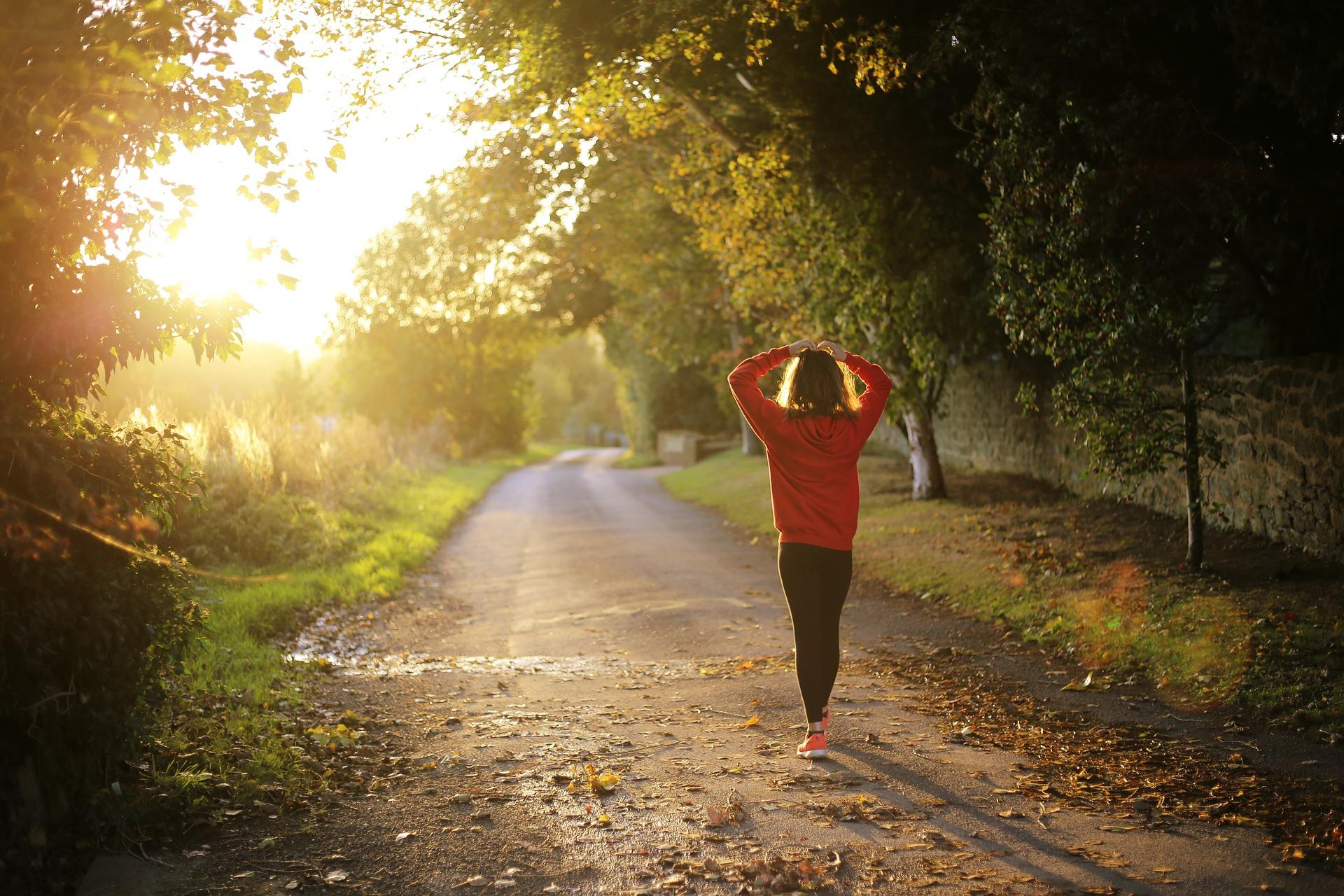 Jutarnje vježbanje i kratke šetnje tijekom dana smanjuju povišeni krvni tlak