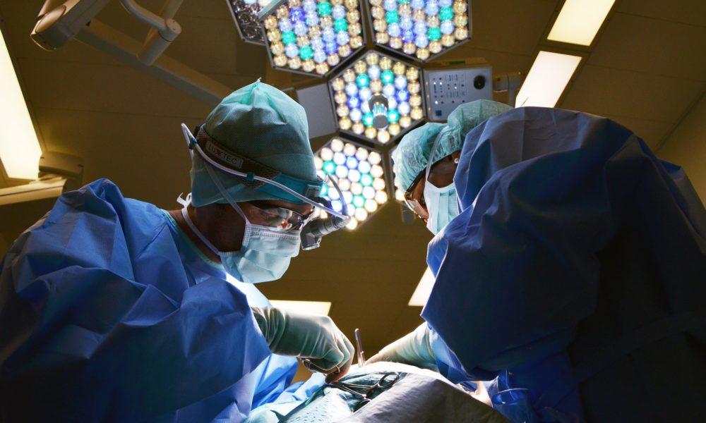 Indijski kirurzi pacijentu uklonili bubreg težak 7,4 kg