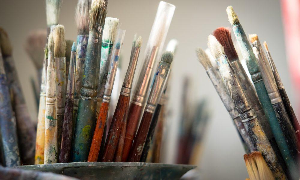 Slijepi bugarski umjetnik našao način da nastavi slikati