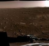 ZADIVLJUJUĆE NOVE FOTOGRAFIJE MARSA: Rover je snimio pješčane dine, visoke litice, tajanstvene stijene i savršeno slijetanje